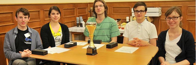 Zwycięski zespół z p.prof. Joanną Politarczyk